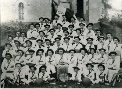 1908 p